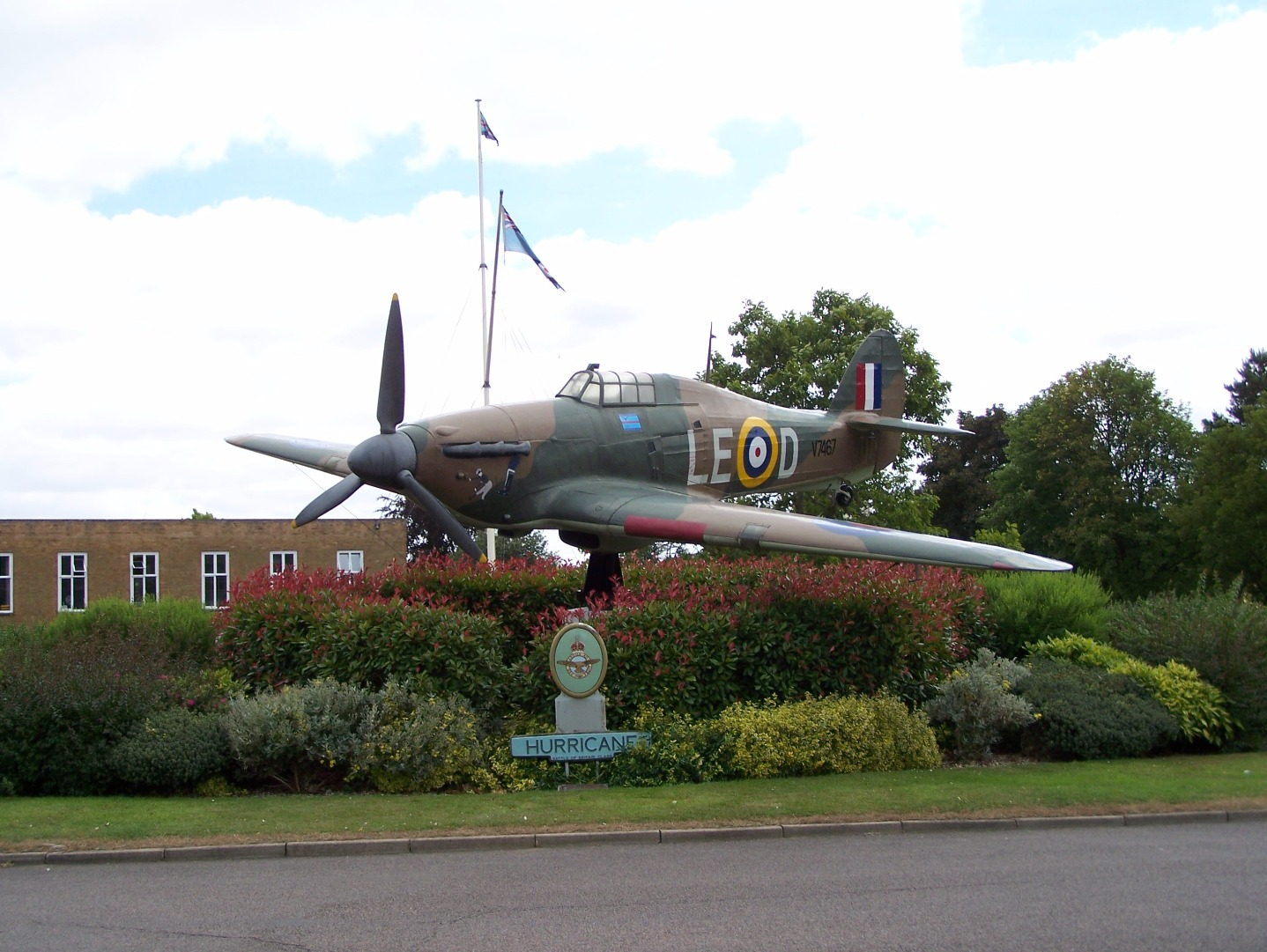 006Replica Hawker Hurricane gate guardian inside the station entrance 14:7:06.JPG