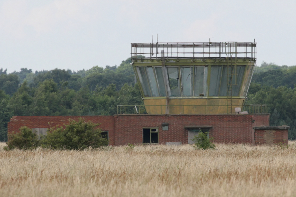 009Post-war control tower - Nick Challoner.JPG