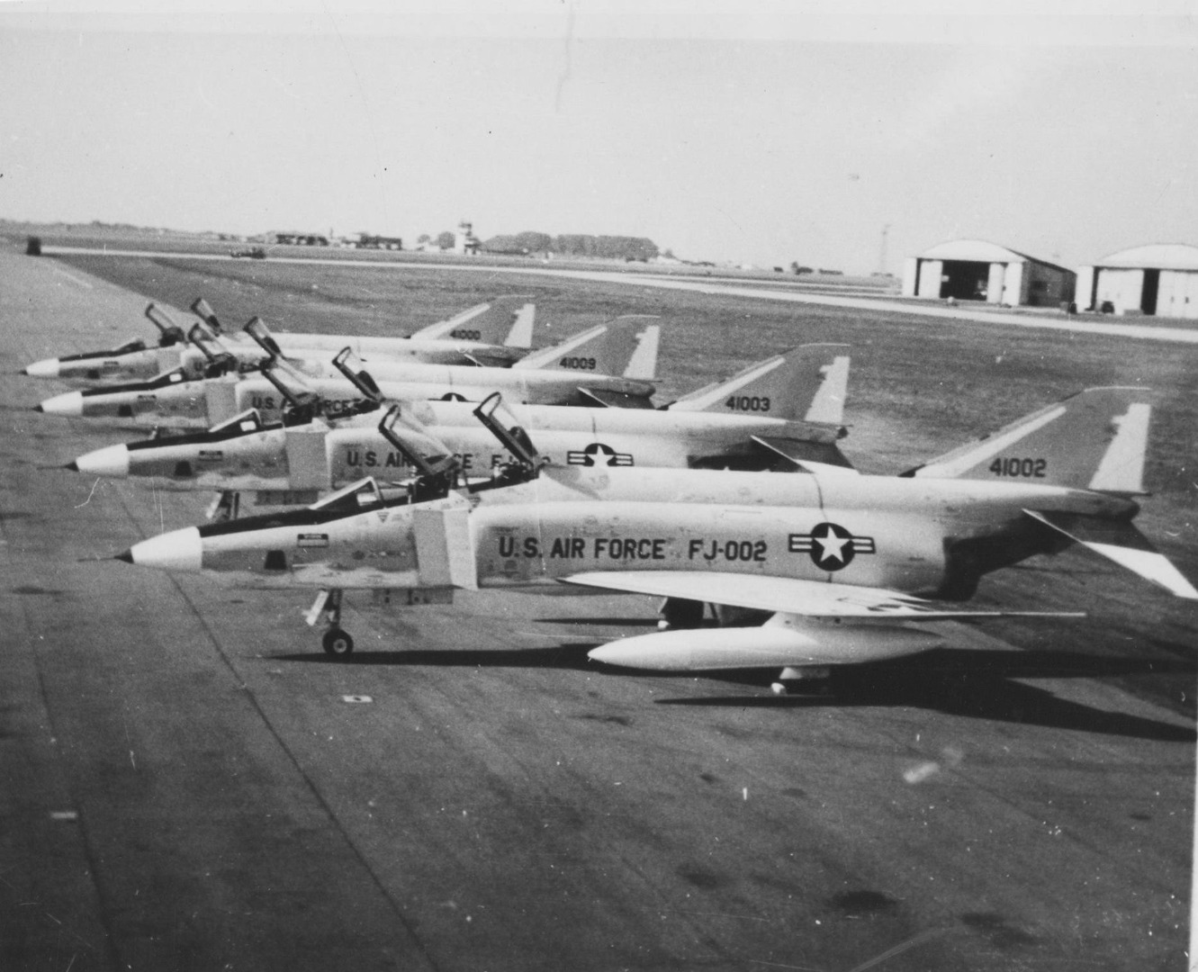 011RF-4Cw_arrive_at_Alconbury_1966.jpg