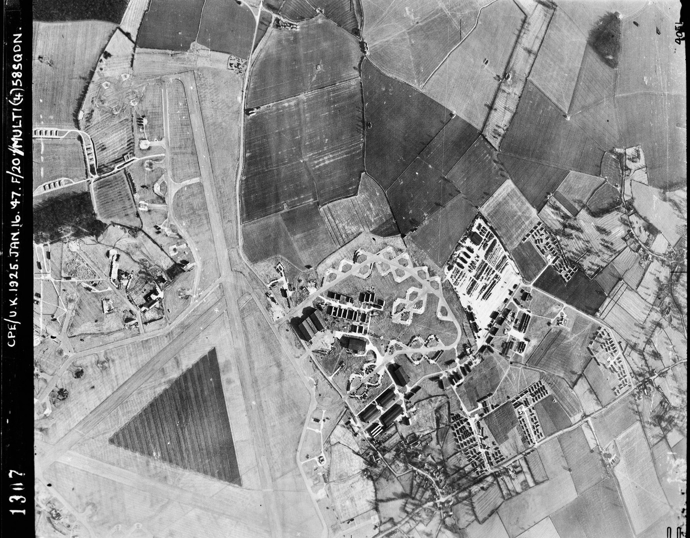 008Alconbury_Airfield_-_1947.jpg