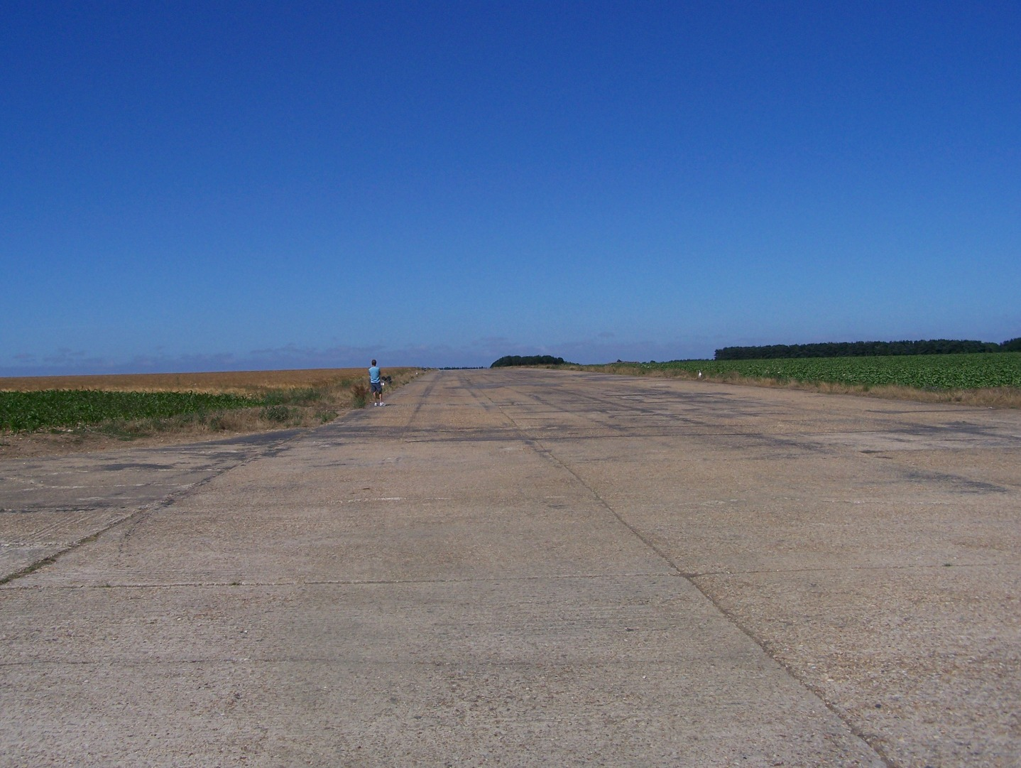 South-west end of 04:22 runway, measuring 1,400 yards, and still partly active 15:07:2006.JPG