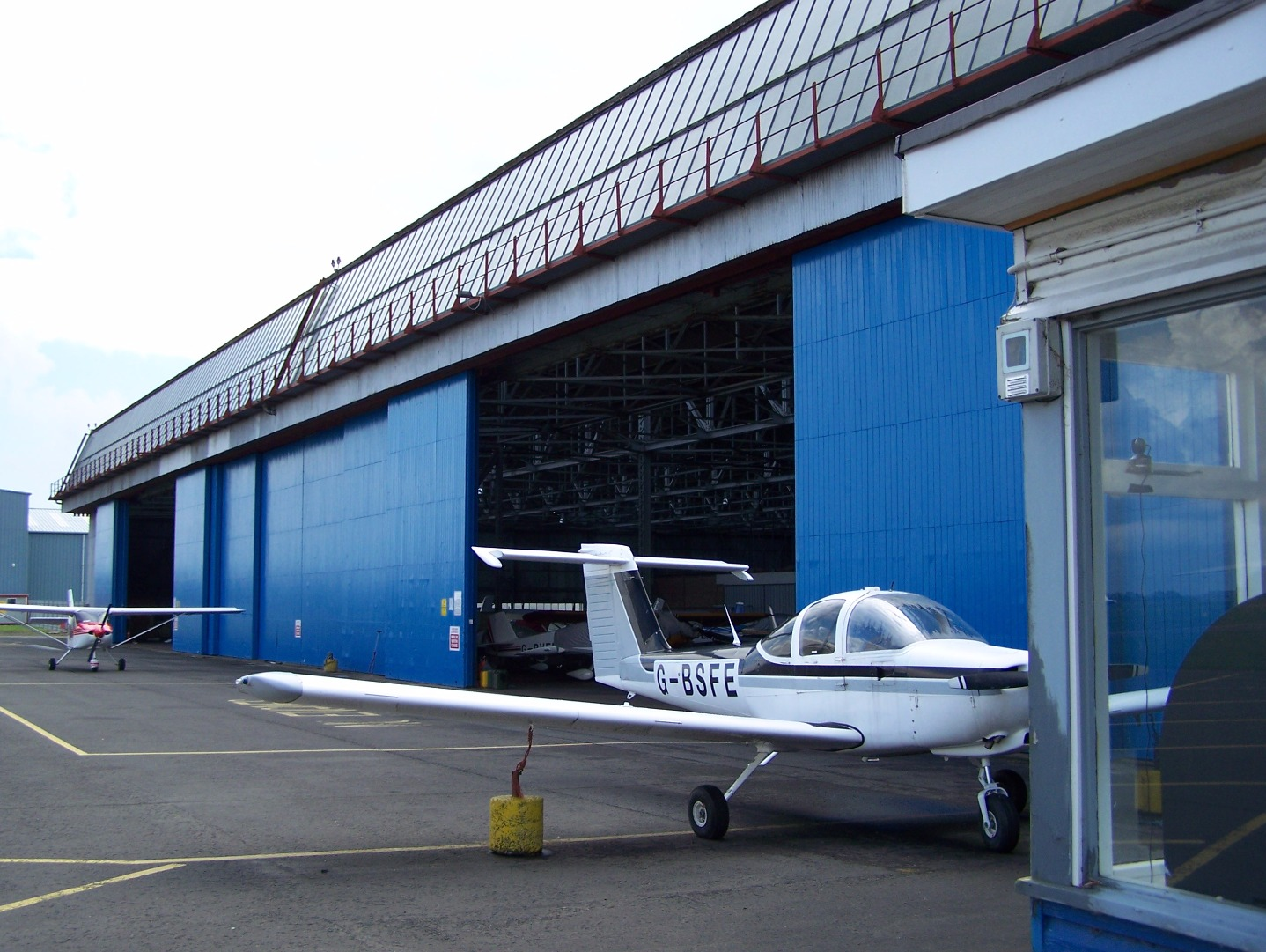 Exterior of main hangar (29:05:2008).JPG