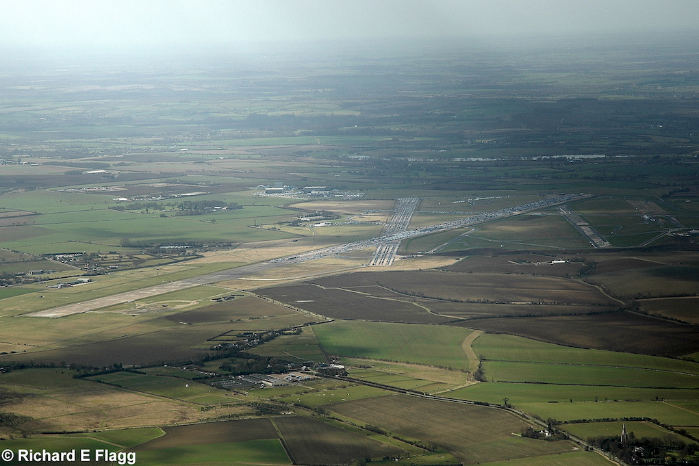 009Aerial View. RAF Thurleigh Airfield - 14 March 2009.png