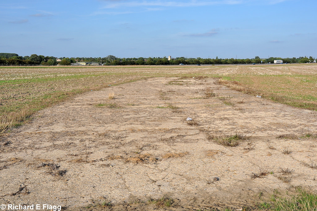 001Taxiway at the north east corner of the airfield. Looking west from Little Wilbraham Road - 16 August 2009.png