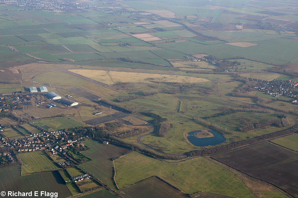 008Aerial View. RAF Oakington Airfield - 5 January 2008.png
