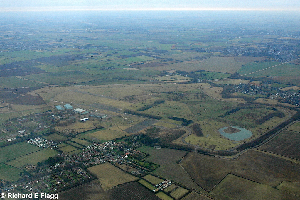 008Aerial View. RAF Oakington Airfield - 4 January 2009.png