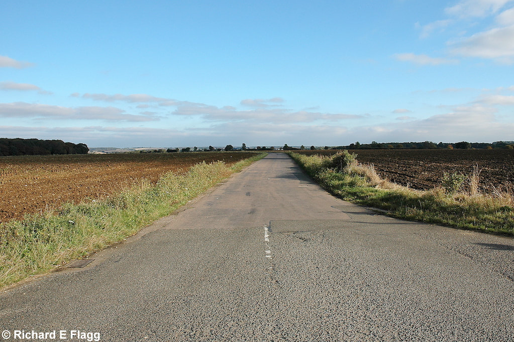 001Taxiway at the south of the airfield. Looking south east from the B1052 road - 13 October 2007.png