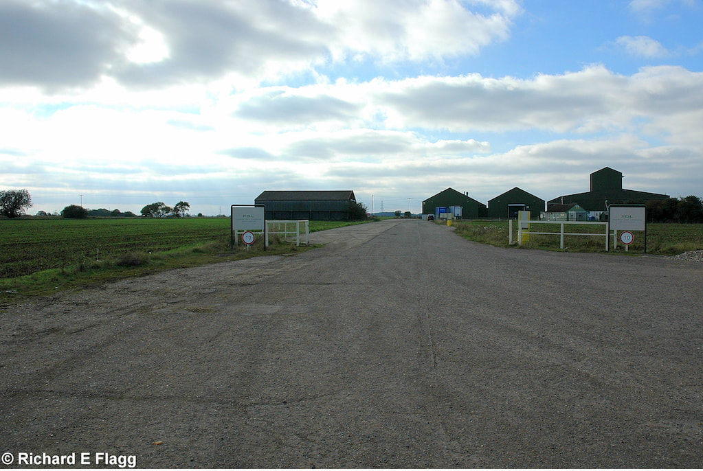 003Taxiway at the north of the airfield. Looking west from the B1052 road - 13 October 2007.png