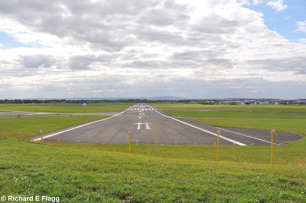 002Runway 09:27. Looking west - 9 August 2013.png