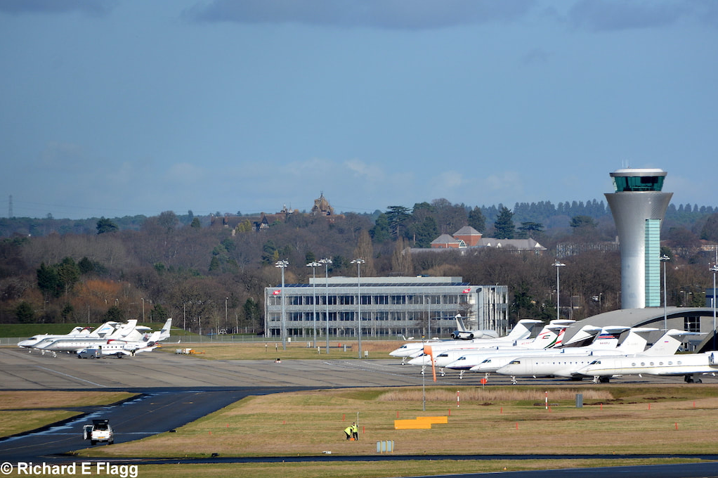 003Looking toward the biz-jet ramp and control tower from near the Bailey Bridge - 4 February 2017.png