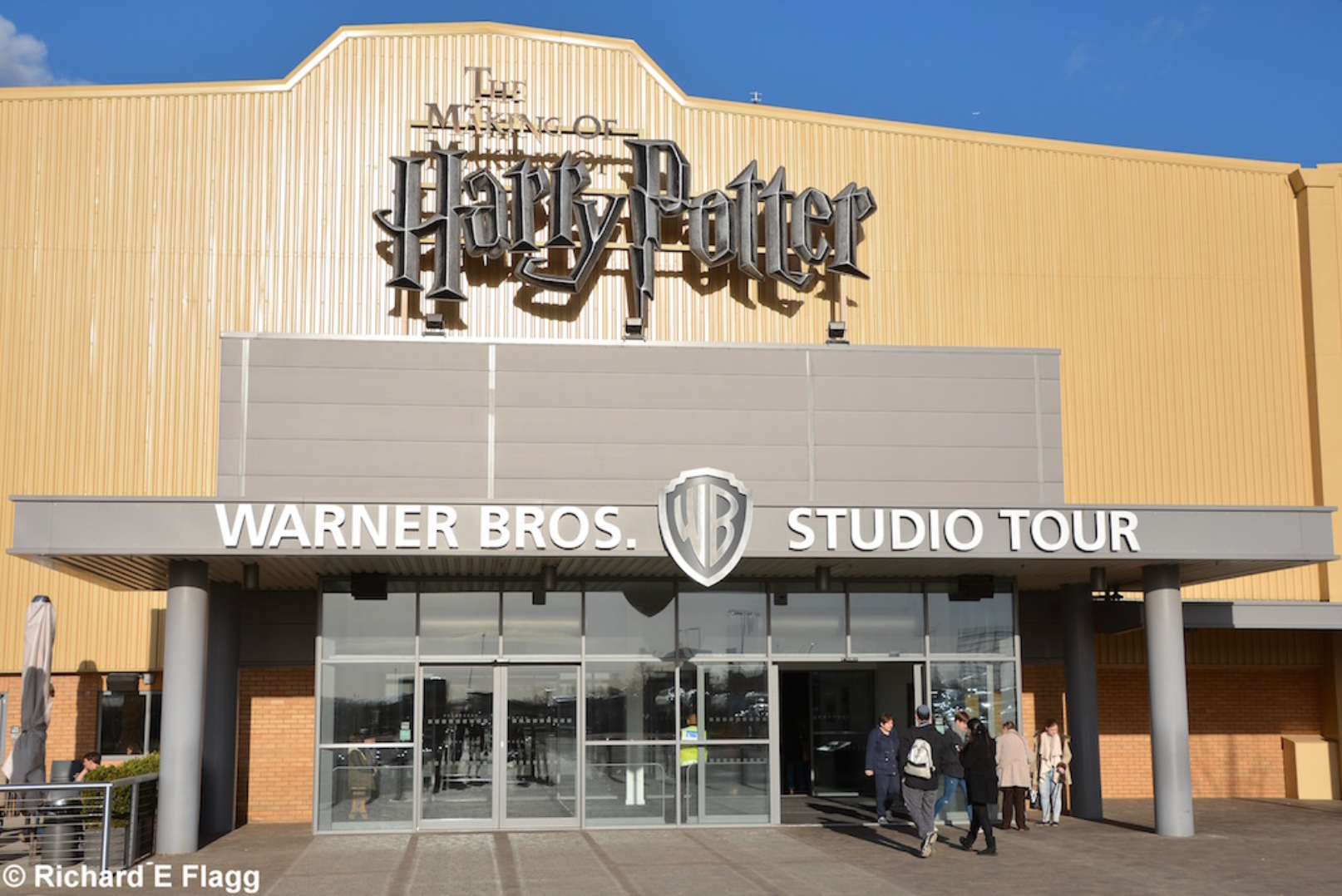 010Harry Potter Studio Tour on the site of the old runway - 20 November 2015.png